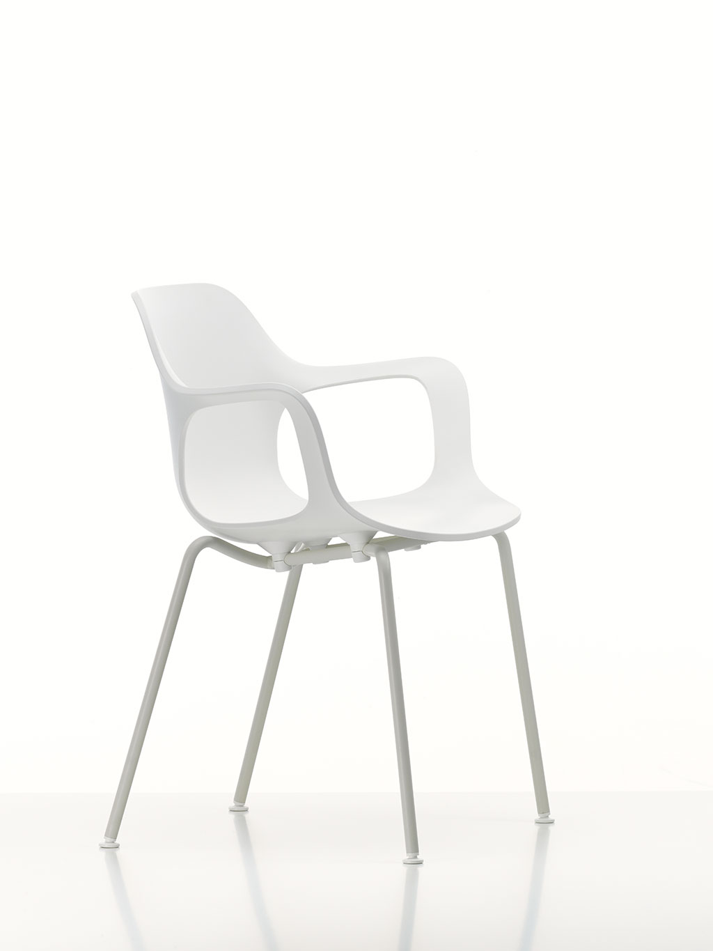 Hal Armchair The White Collection © Vitra