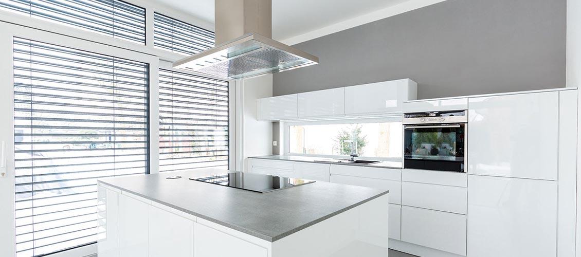 Wohnen in Weiss Küche