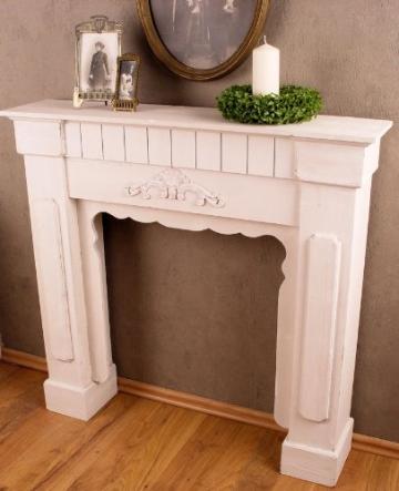Romantische Kaminumrandung • Wohnen In Weiß