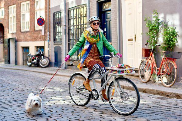 Das weiße SLADDA Fahrrad von IKEA