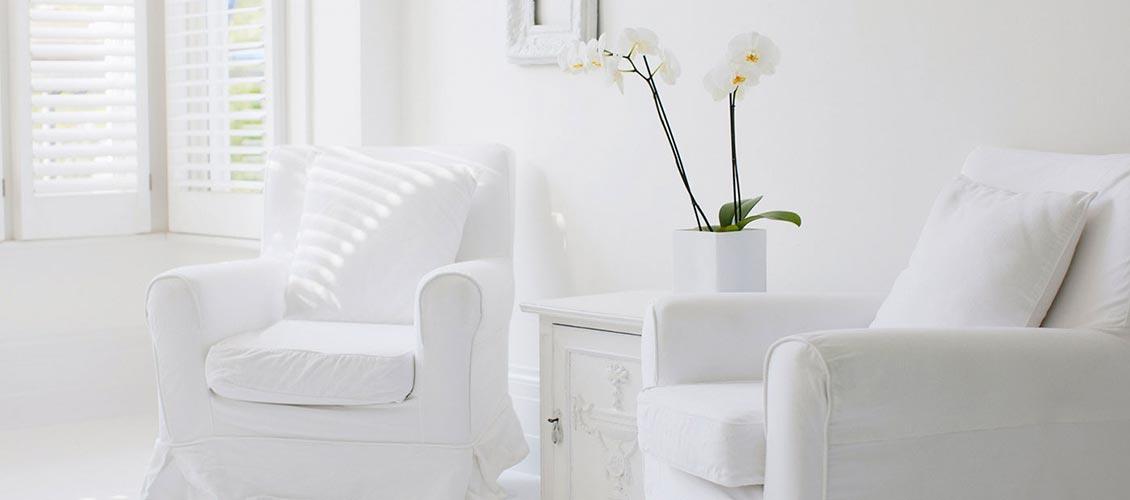 Wohnen in Weiss Sessel im Landhausstil